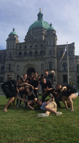 Jazz band in front of Parliament buildings