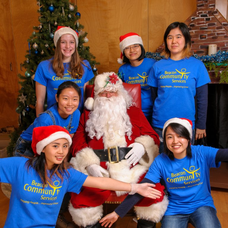 Parkland Students volunteer at Breakfast with Santa event