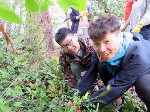 Parkland International Students participate in Earth Week activities